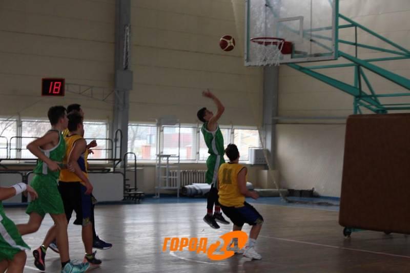 В Измаиле проходит  II тур Всеукраинской юношеской баскетбольной лиги (ФОТО)