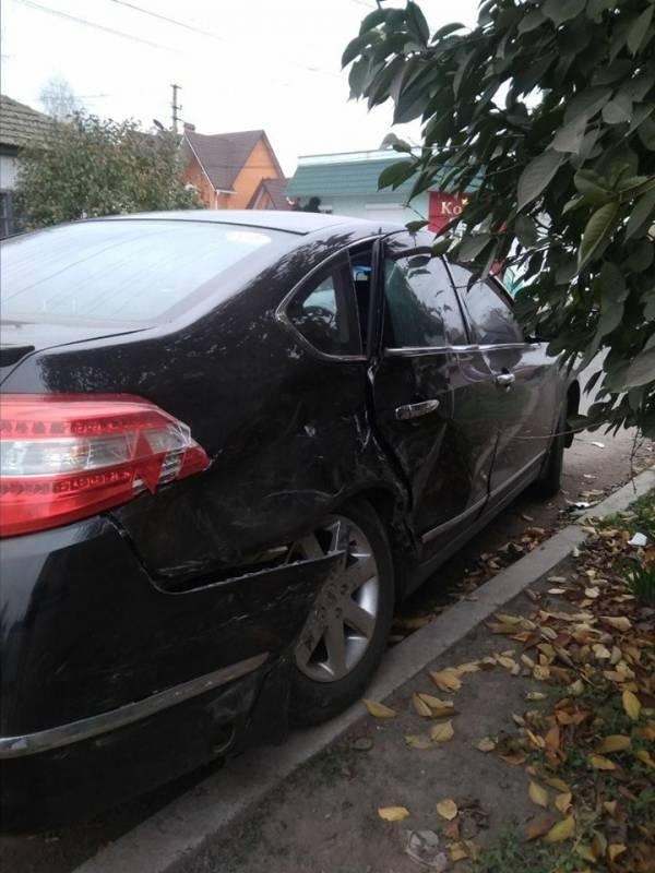 В Измаиле не разминулись Nissan и Mercedes (ФОТО)