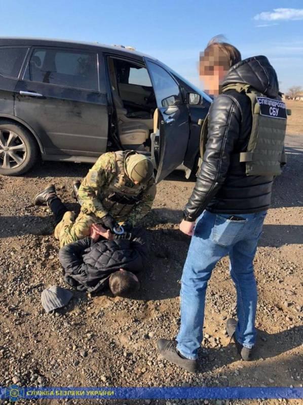 Двое жителей Одесской области снабжали криминальные группировки региона оружием (фото)