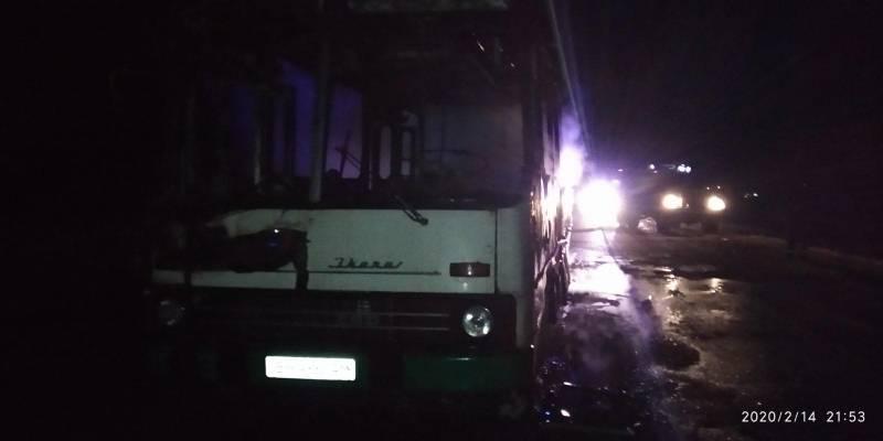 """В Измаиле на ходу загорелся автобус """"Икарус"""" (ФОТО)"""