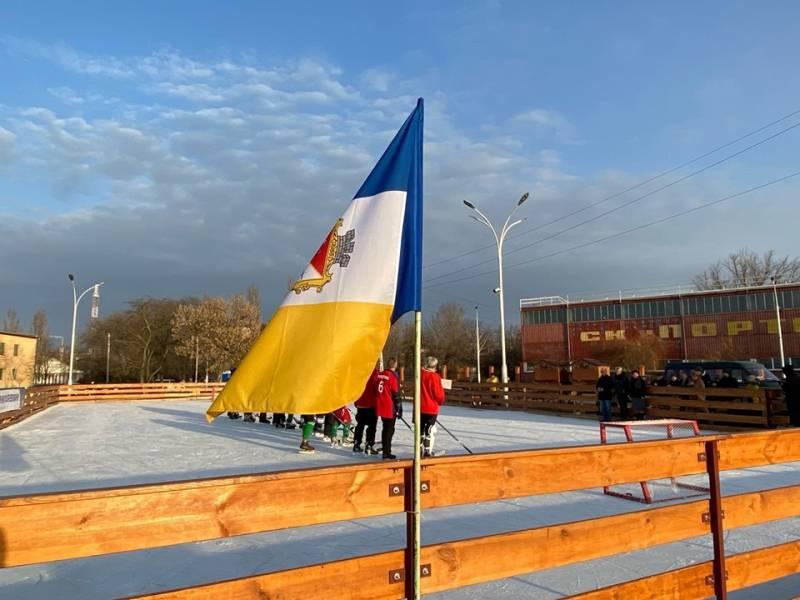 В Измаиле стартовал Первый чемпионат города по хоккею (ВИДЕО, ФОТОРЕПОРТАЖ)