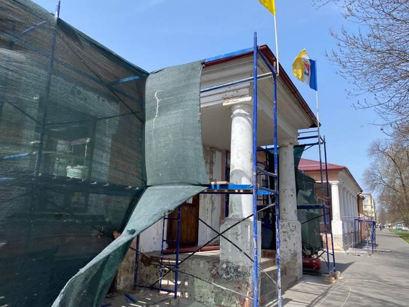 В Измаиле продолжается благоустройство города - ведется ремонт лицея, дорог, внутридомовых территорий (ВИДЕО)