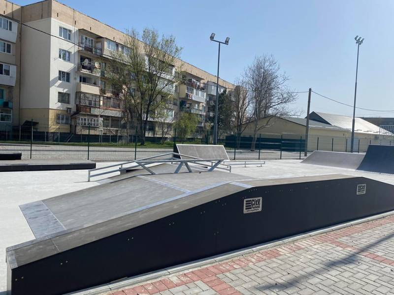 В Измаиле продолжается строительство Дворца спорта: на территории построен скейтпарк (ВИДЕО, ФОТОРЕПОРТАЖ)