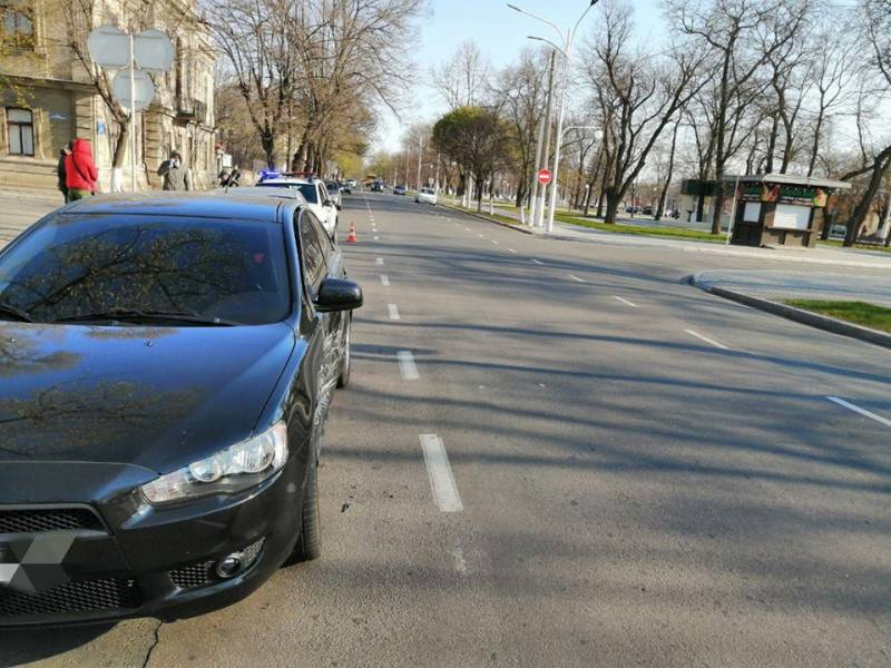 ДТП в Измаиле: BMW не пропустил Mitsubishi (ФОТО)