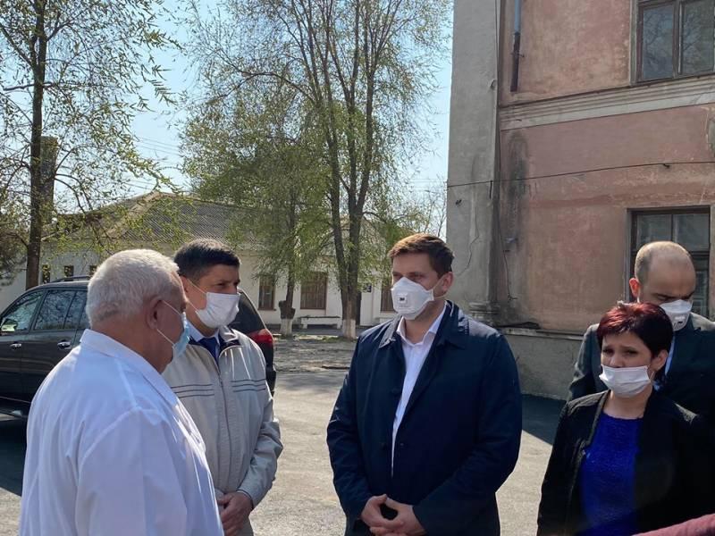 Губернатор Одесской области Максим Куцый отметил высокий уровень подготовки больниц Измаила к приему больных коронавирусом (ФОТО, ВИДЕО)