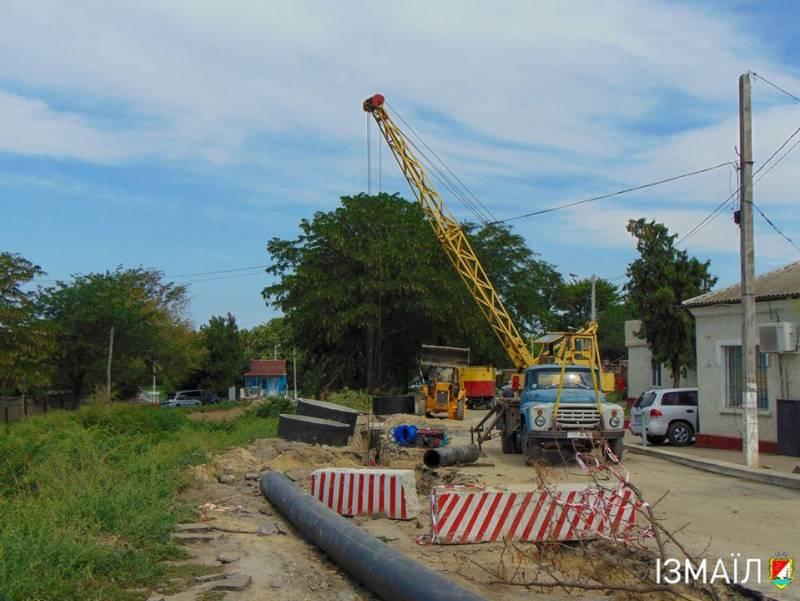 В Измаиле продолжается ремонт водовода по улице Кутузова - Город 24
