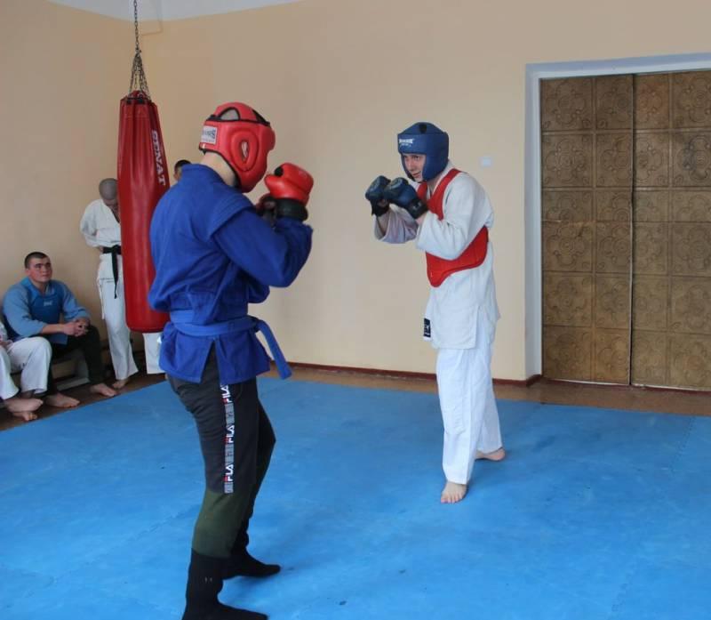 Измаильские гвардейцы поддерживают физическую форму регулярными тренировками