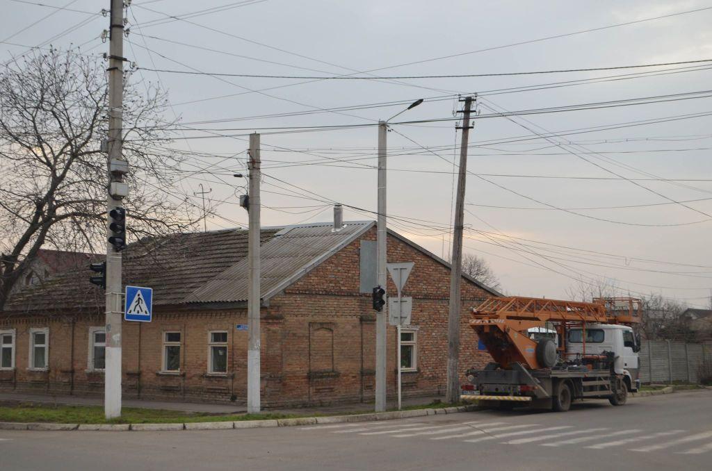 В Измаиле ведется строительство нового светофорного узла (ФОТО)
