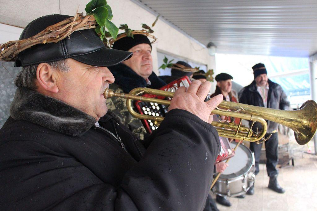 В Измаиле болгары чтят кумира виноградников - святого Трифона Зарезана (ФОТО)