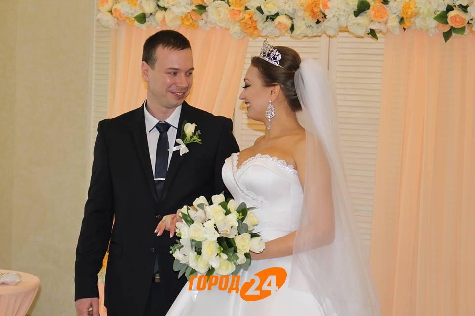 В Измаильском отеле «BESSARABIA» зарегистрирован первый брак в рамках пилотного проекта «Брак за сутки» (ФОТО)