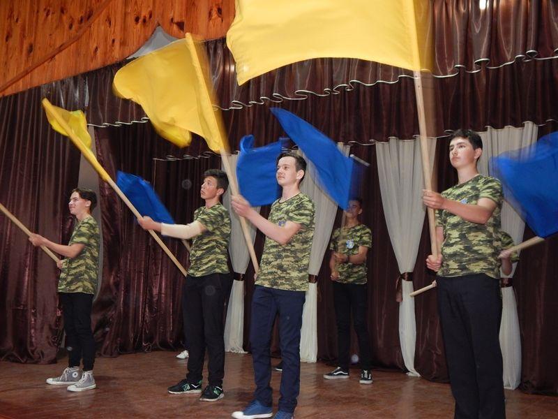 """В Измаильском районе сотни учеников соревновались в масштабной игре """"Джура"""" (ФОТО)"""