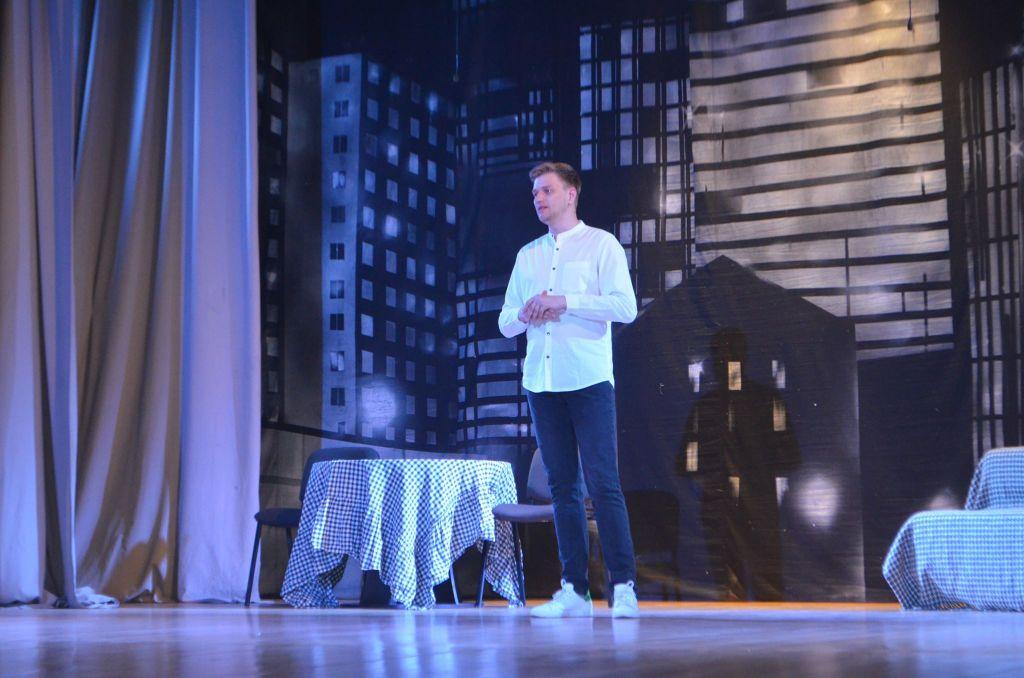 «Черный квадрат» на сцене измаильского ДК: театр сексом не испортишь? (ФОТО)