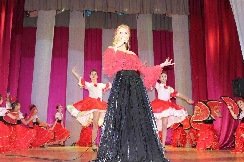 В Измаиле провели сеанс магии - магии вокала Елены Онищенко (ФОТО, ВИДЕО)