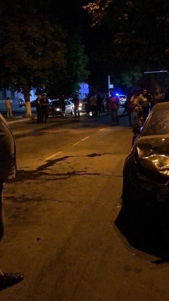 """В Измаиле на проспекте Суворова автомобиль Audi протаранил """"ВАЗ"""" (ФОТО)"""
