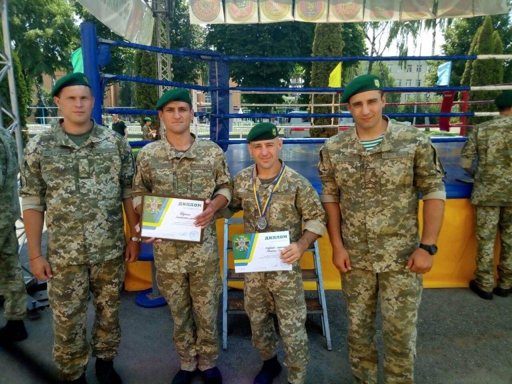 Измаильские пограничники привезли из Хмельницкого кубок за первое место в соревнованиях по универсальному бою
