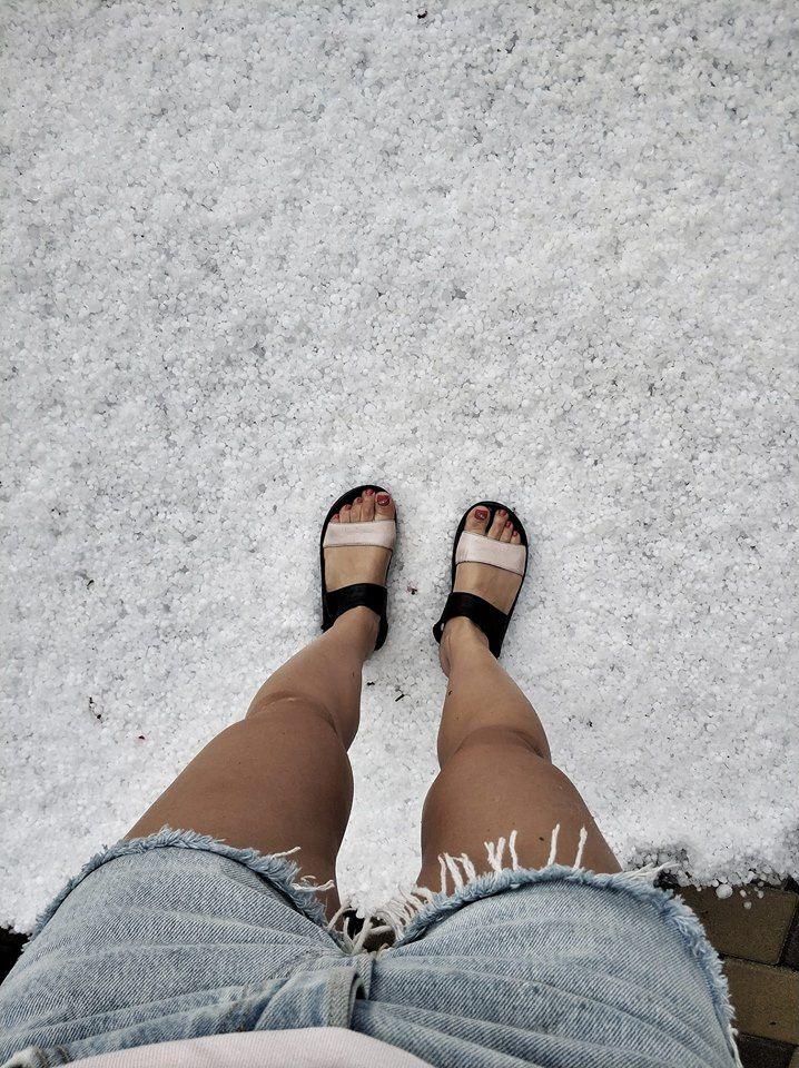 В Украине сразу после жары выпал снег с градом (ФОТО, ВИДЕО)