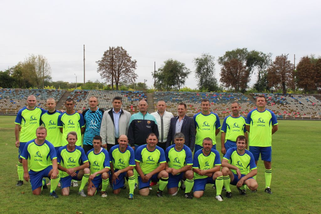 Турнир памяти Валентина и Александра Лупой собрал на стадионе Измаила ветеранов футбола (ФОТО)
