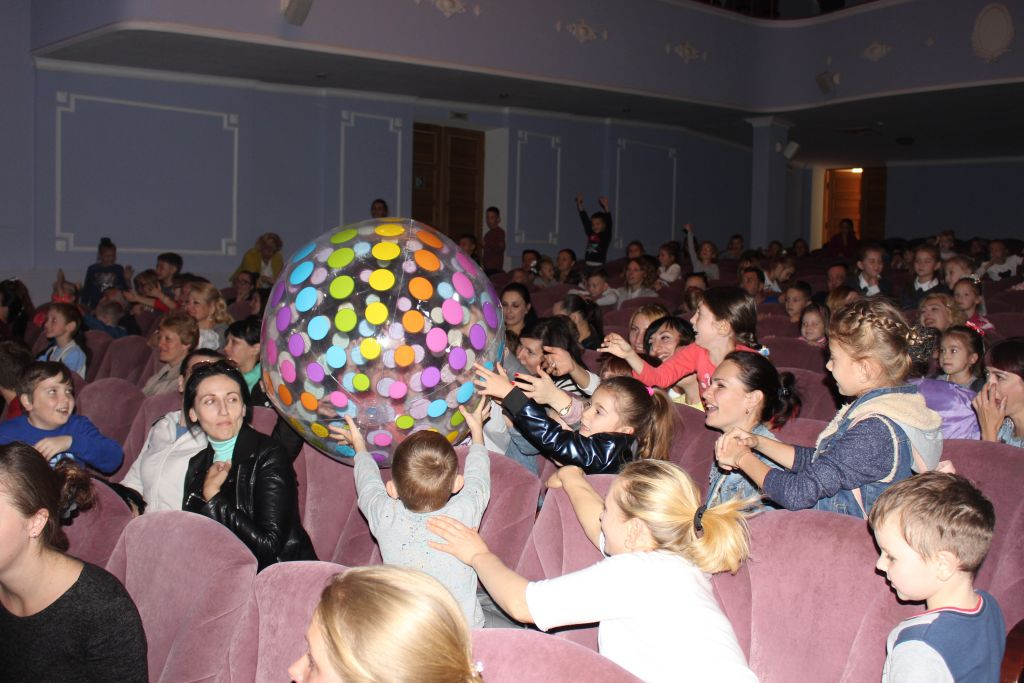 В Шарляндии живётся весело! В Измаильском ДК состоялось шар-шоу (ФОТО)