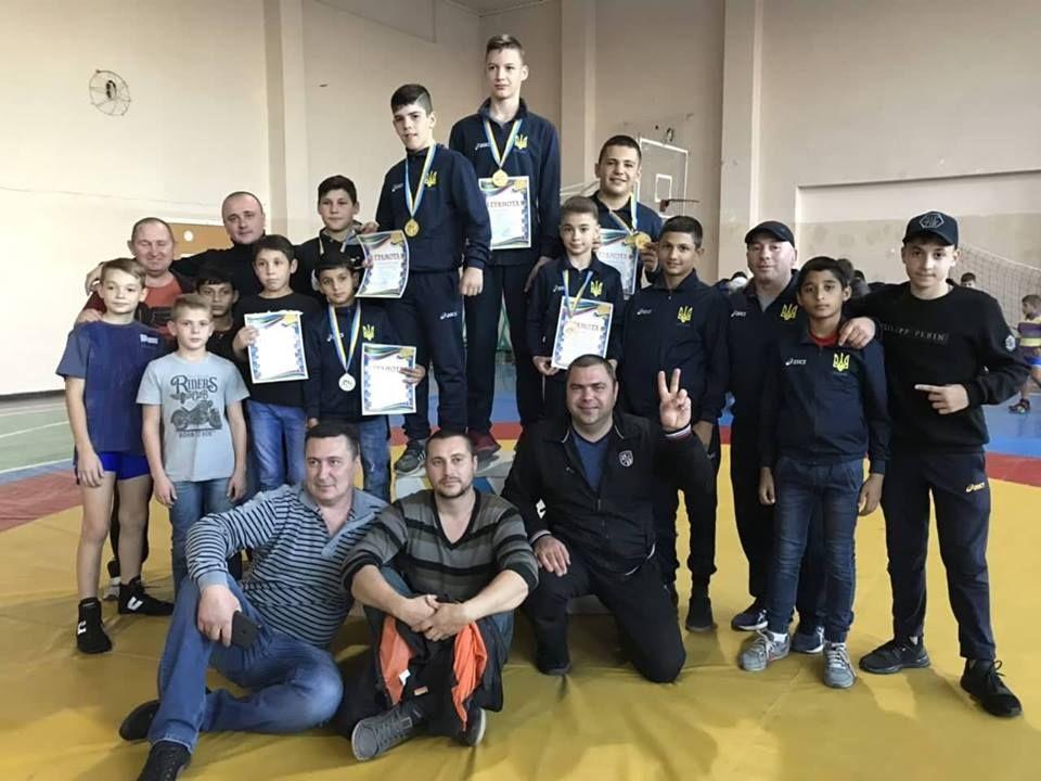 Измаильские борцы завоевали три золотых медали на чемпионате Одесской области