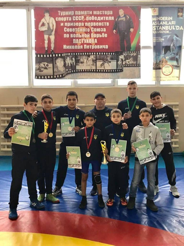 В Тирасполе измаильскине борцы завоевали шесть медалей