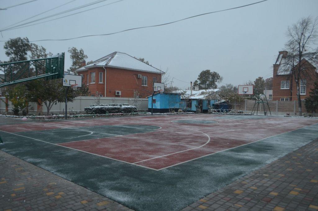 В Измаиле открыли спортивную площадку для баскетболистов. Таких всего три в области (ФОТО)