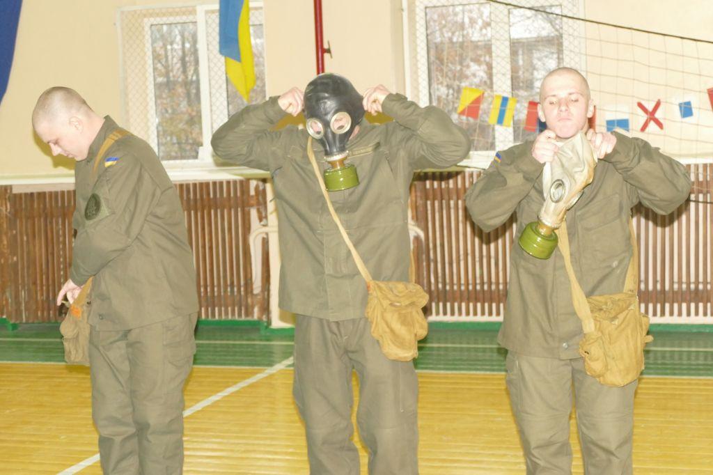 В Измаиле курсанты военно-морского лицея состязались с нацгвардейцами