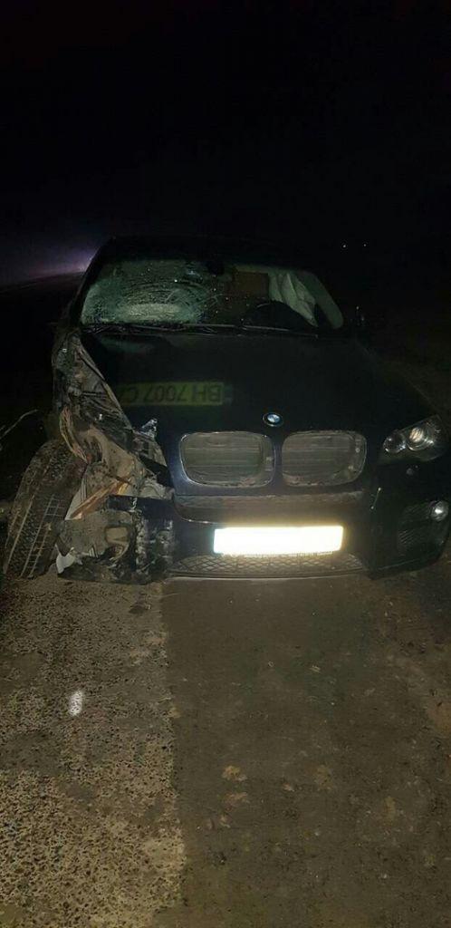 Под Измаилом произошло смертельное ДТП: BMW влетел в гужевую повозку. Есть погибший (ФОТО)