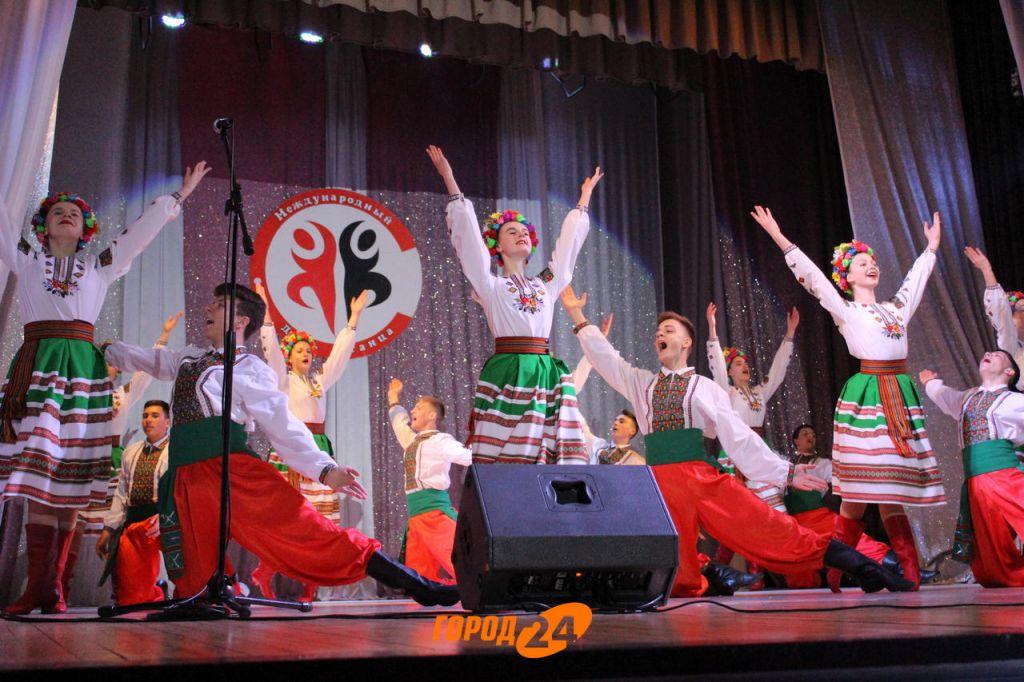 Измаильчане ярко отметили День танца (ФОТО, ВИДЕО)