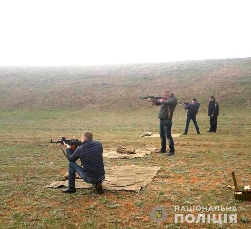 Измаильске полицейские оттачивали мастерство в стрельбе на полигоне в Лощиновке (ФОТО)