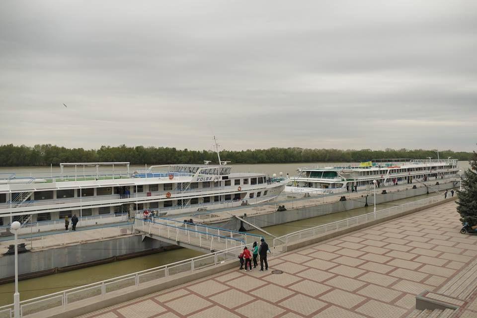 Суда УДП «Украина» и «Волга» сегодня отправились в навигацию (фото, видео) от причала Измаильского морвокзала
