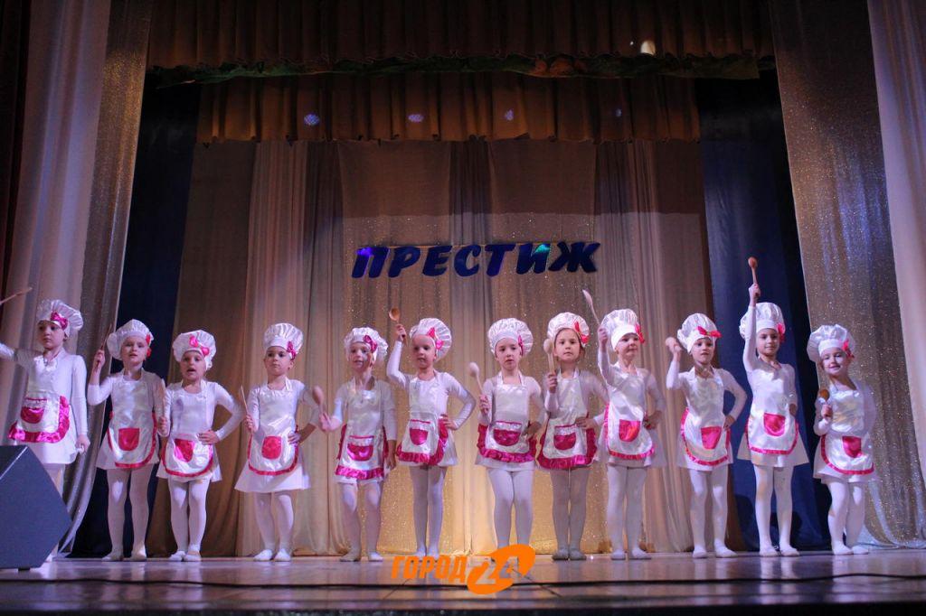"""""""Танец-наша жизнь"""": в Измаиле с отчетным концертом выступил """"Престиж""""! (ФОТОРЕПОРТАЖ)"""