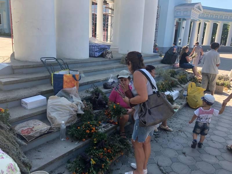 Измаильчане отмечают Первый медовый Спас и начало Успенского поста (ФОТО)