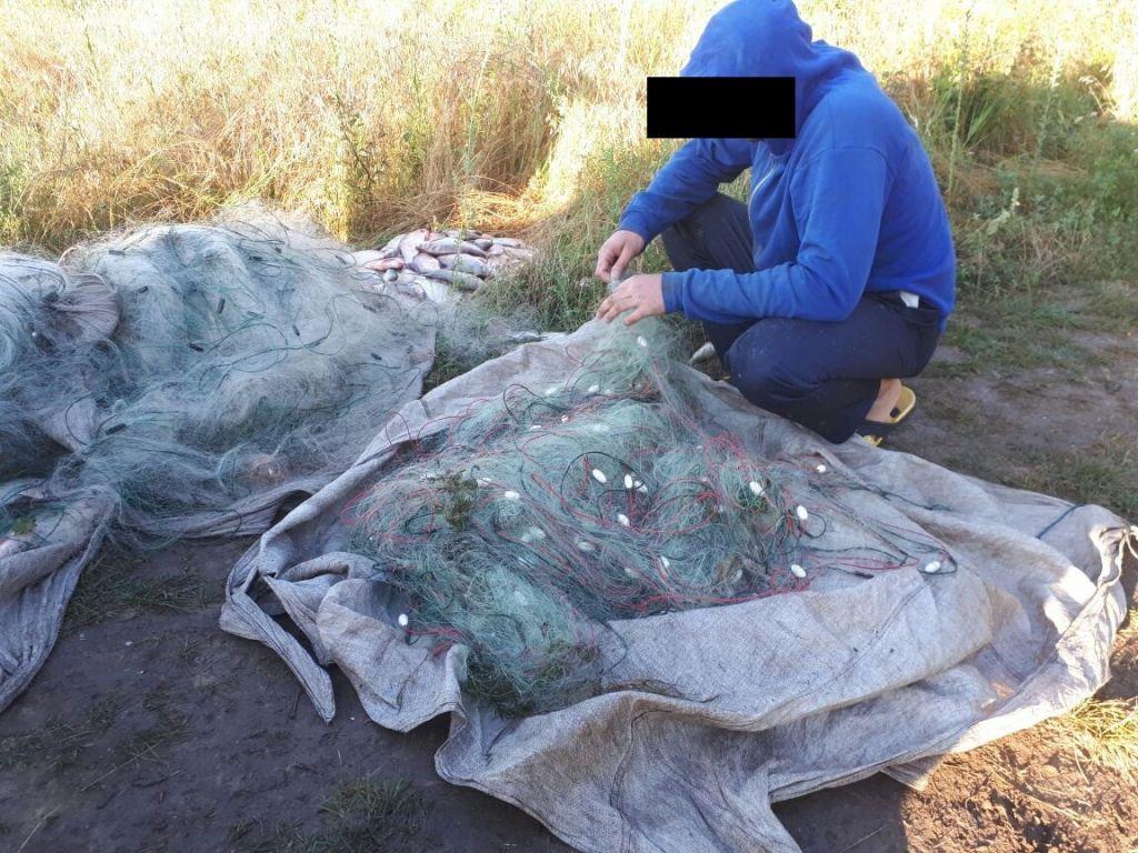 Сотрудника махамбетской рыбной инспекции задержали на чужой территории